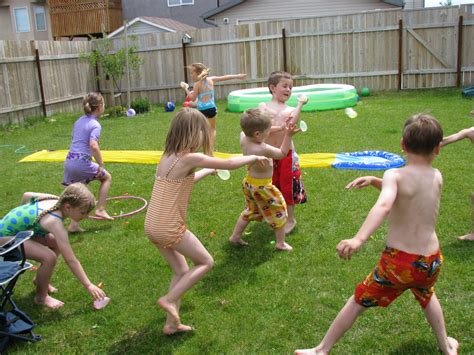 Making Merry Memories: Water Balloon Games