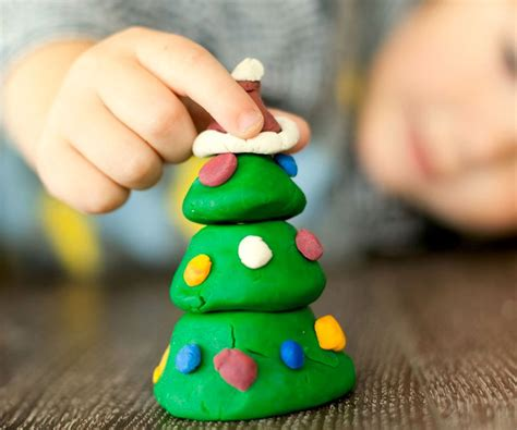 Manualidades infantiles para hacer árboles de Navidad ...