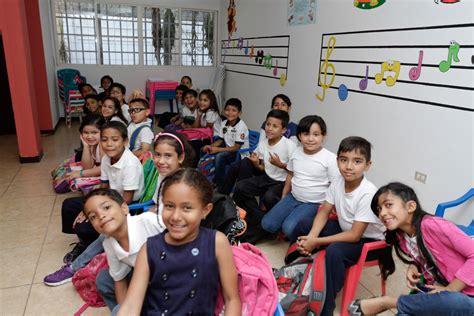 Más de 850 niños inician el año musical en el Núcleo ...