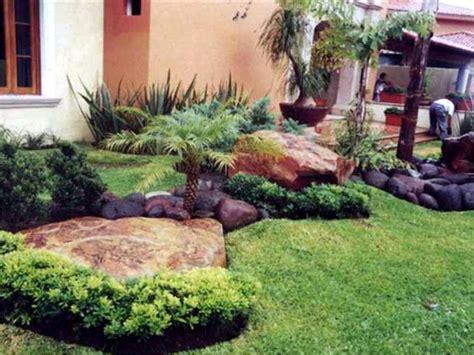 Me ayudan a colocar piedras en mi Jardin.?
