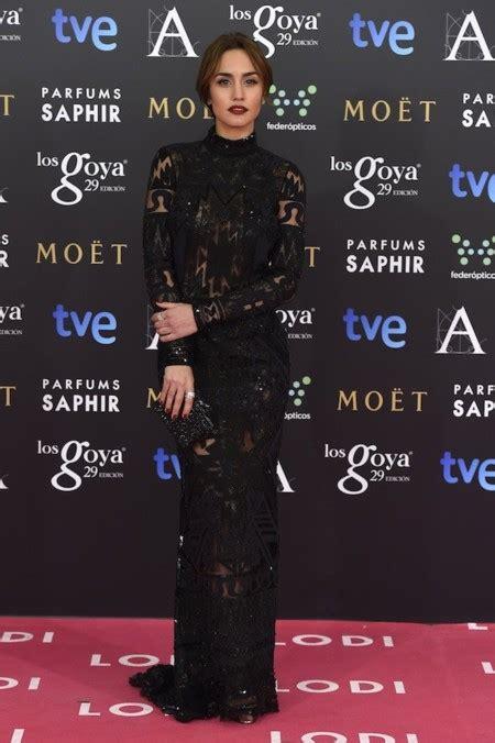 Megan Montaner con un total look black de Emilio Pucci en ...