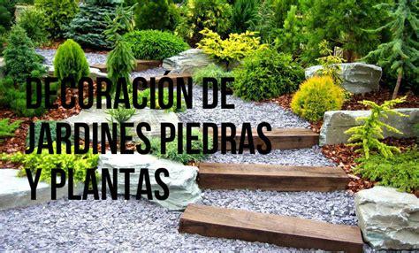 Mejora la decoración de jardines con piedras y plantas