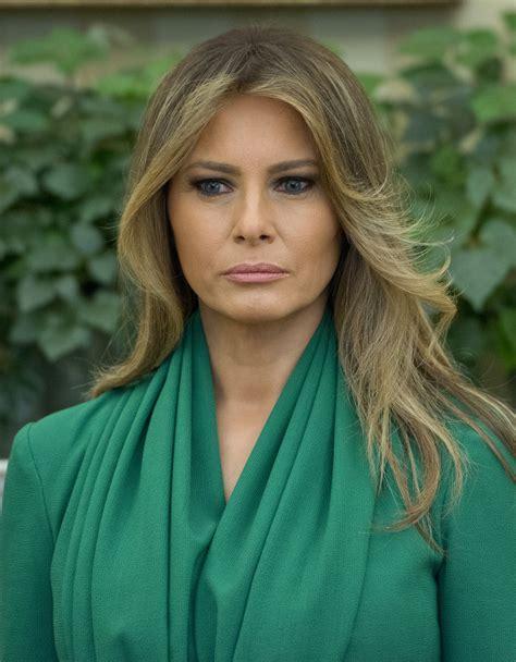 Melania Trump Feathered Flip   Melania Trump Hair Looks ...