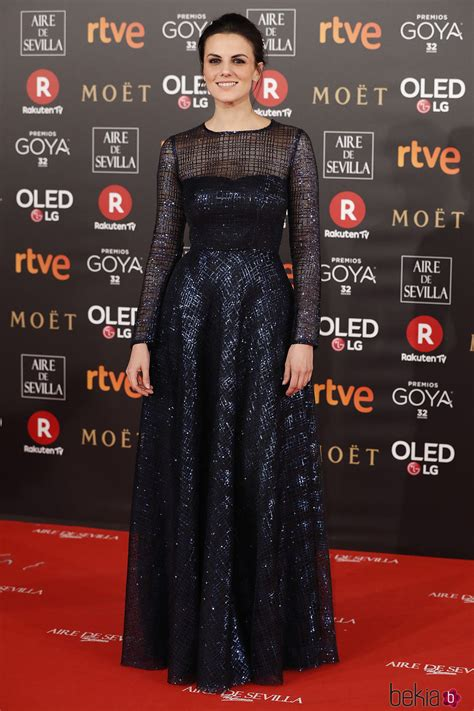 Melina Matthews en la alfombra roja de los Premios Goya ...