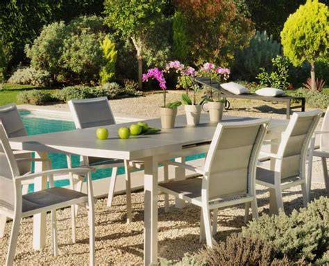 Mesas y sillas jardín Aki 2012 | Catálogo de muebles