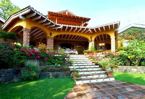 Mira Hermosas Jardines De Casas Rusticas Del Campo ...