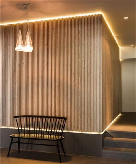 Mira qué bien lucen estas paredes decoradas con madera ...