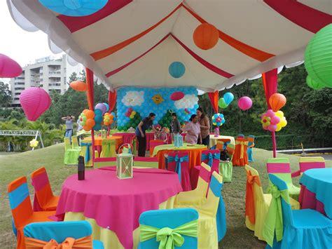 Mobiliario para Fiestas, Mesas, Sillas, lounges, Toldos y ...