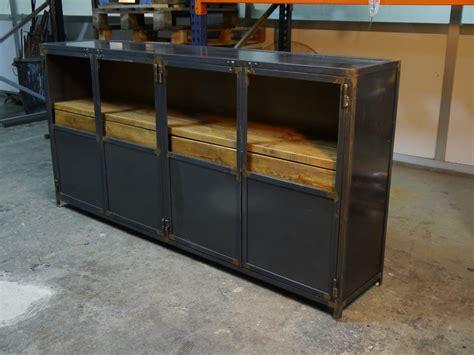 Muebles de estilo industrial y vintage en acero y madera ...