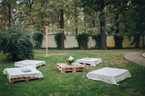 Muebles para una terraza chill out   Bares y Tapas