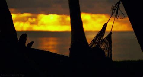 Musica Relajante Online Sonidos de las olas del mar en una ...