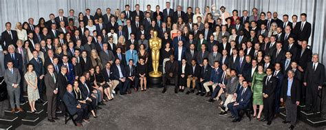 Oscar Class Photo 2018: Meryl Streep, Jordan Peele, More ...