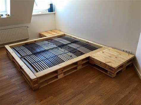 Pallet Platform Bed with Nightstands | Pallet Furniture DIY