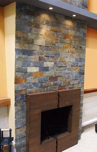 Paneles de imitación de piedra para pared de Leroy Merlín ...