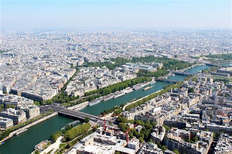 París aprueba una estrategia para desarrollar proyectos ...