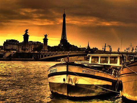Paris aşkım • uzaklar.com