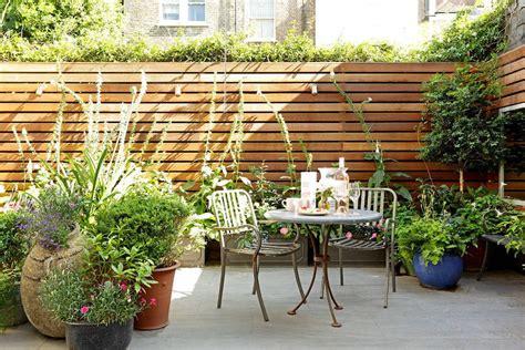 Patios y jardines pequeños: diseño con macetas
