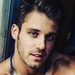 Paulie Calafiore   Bio, Facts, Family | Famous Birthdays