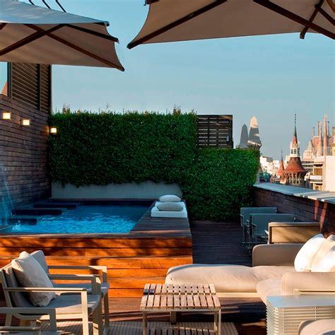 Piscina y terraza | Hotel 5 estrellas gran lujo