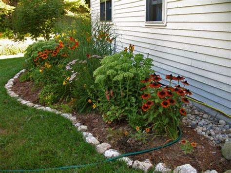 planter boxes and raised beds on Pinterest | Garden Edging ...