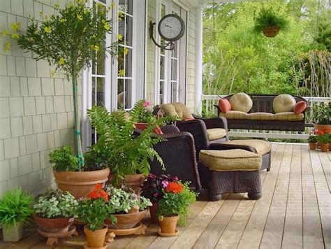 Porches jardín y muebles preciosos para la entrada