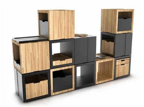 Puff, mesa y estantería   Decoración de Interiores y ...