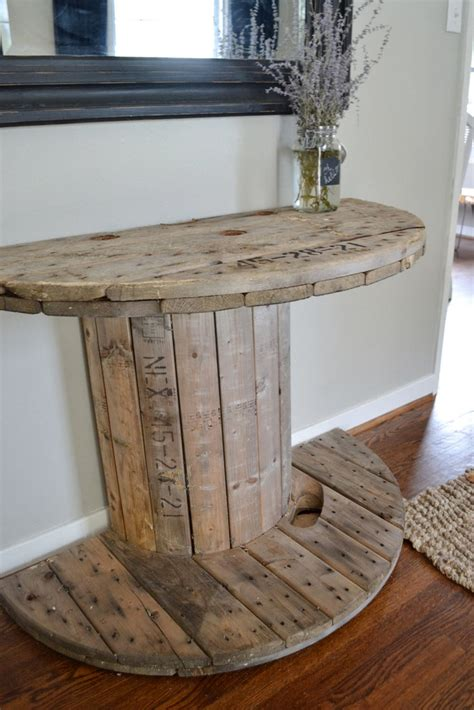 Roundup: 10 Rustic DIY Furniture Projects | Curbly
