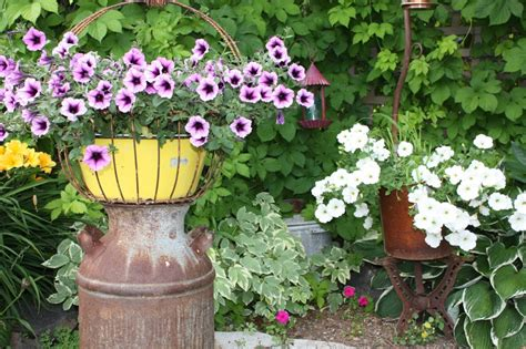 Rustic Garden Decor Ideas Photograph | Whether you call it g