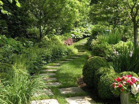 Senderos y caminos de piedra para el jardín