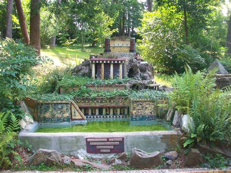Seven Wonders of the World: Hanging Gardens of Babylon Al ...