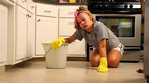Sexy Girl Cleaning the Floor - YouTube