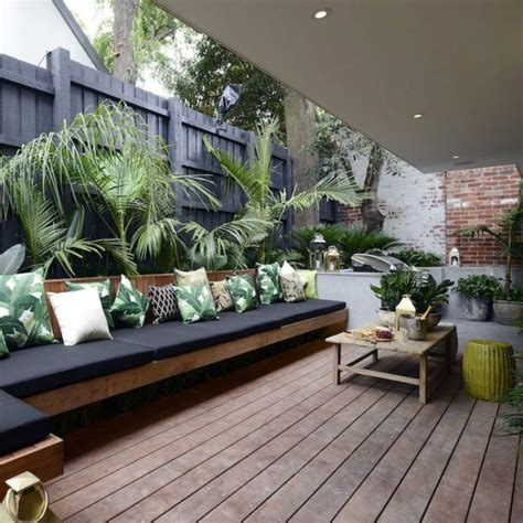 Small outdoor living room deck   Home Decorating Trends ...