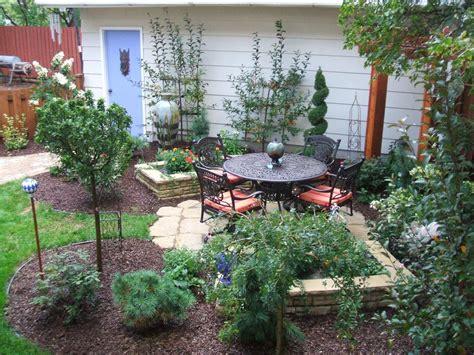 Small Yards, Big Designs | DIY