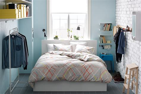 Smart ideas for clothes storage in a small space