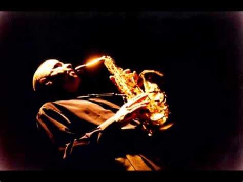 Смотреть онлайн видео instrumental saxofon romantico musica