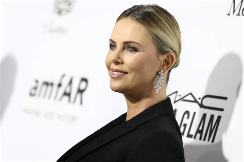 'Tully' Movie: Focus Features Acquires Reitman Theron Cody ...