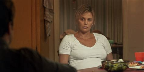 'Tully' Trailer: Charlize Theron is an Exhausted Mom Who ...