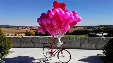 Sueltas de globos de helio en Madrid. Llama para informarte