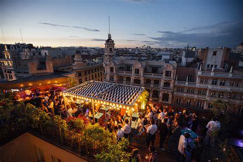 Terrazas para tomar cócteles con las mejores vistas de Madrid