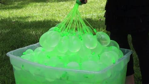 This Genius Dad Figured Out How To Fill 100 Water Balloons ...