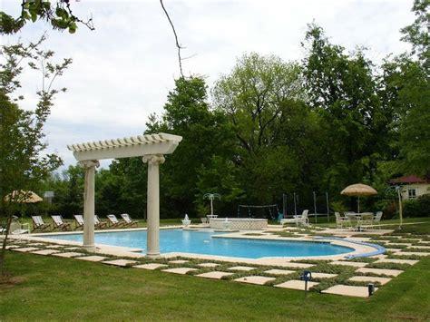 Tipos de piscinas para tu jardín | Plantas