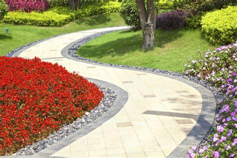 Tips para decorar el jardín con poco dinero   IMujer