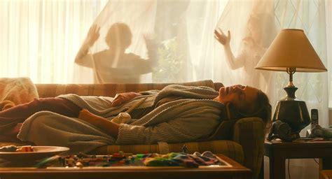 Tully: Charlize Theron nelle prime immagini del film di ...
