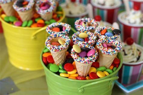 Una idea súper colorida y cool para el cumpleaños de los ...