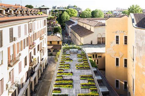Una terraza urbana en la azotea