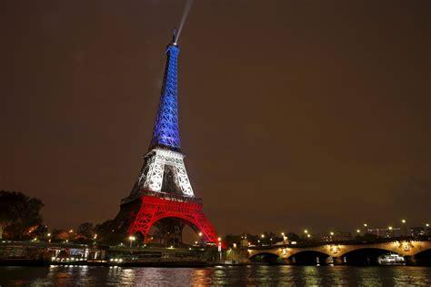 Une élue de Paris veut un éclairage tricolore permanent de ...