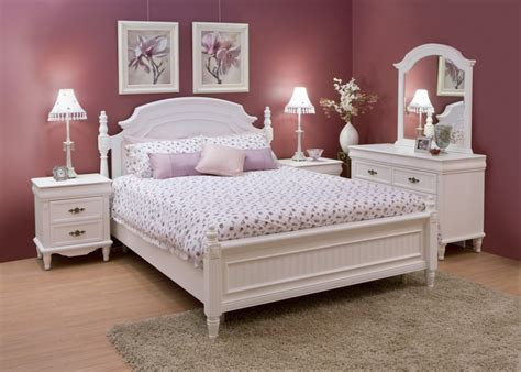 White Bedroom Furniture Decorating Ideas | This For All