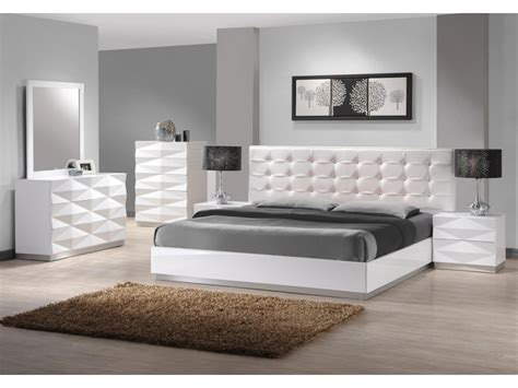 White Leather Bedroom Furniture   Decor IdeasDecor Ideas